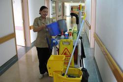 专业的清洁人员1