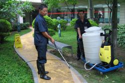 专业的清洁人员4