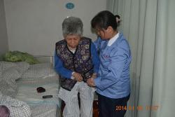 协助患者做床边康复